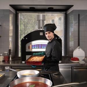 Mehr Platz in Ihrem Lokal dank der kleinen Pizzaöfen und der Einbaubacköfen